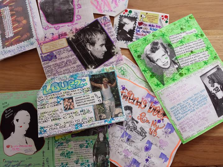 Found a whole bunch of 'FB's' (fanbooks/friendshipbooks) which I used to make and swap with my 80 penpals around the world when I was a teenager...Thinking of those days make me happy