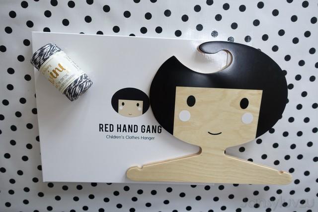 Red Hand Gang kleerhanger & glitterkoord