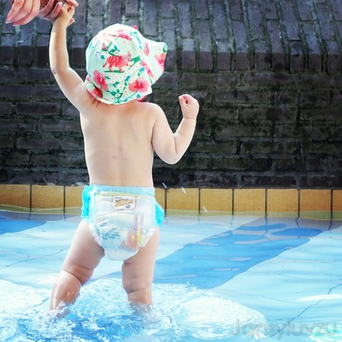 Eerste keer naar het zwembad