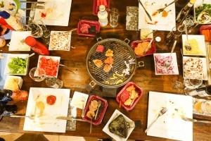 Gourmetten bij vrienden
