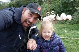 selfie met papa en de flamingo's