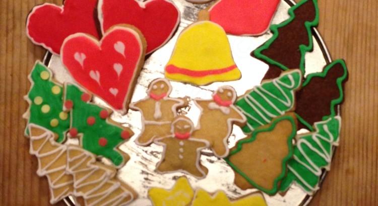Kerstkoekjes versieren