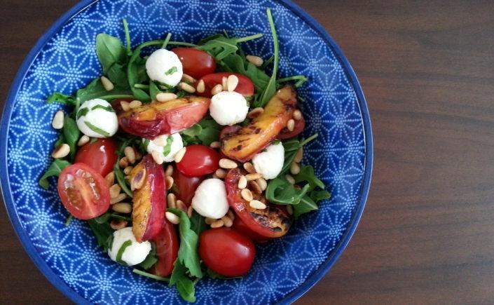 Salade met gegrilde nectarine - Happy Mood Happy Food