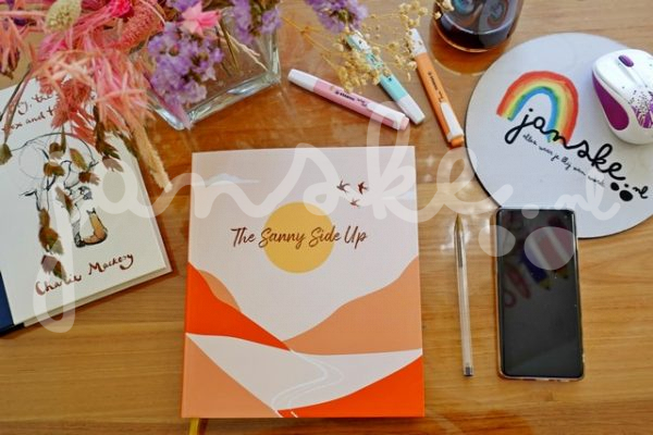 The Sanny Side Up Planner (Review)